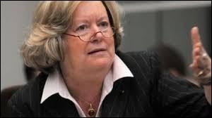 Anne-Marie Lizin a été bourgmestre de la ville de Huy de 1983 à 2009 ! Pourtant qu'a-t-elle dit d'aberrant sur sa ville lors d'un jeu télévisé ?