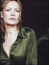 """Elle était Laura dans """"Toutes peines confondues"""" de Michel Deville, Juliette Récamier dans """"Du fond du coeur"""" de Doillon, Nicole dans """"Le Candidat"""" de Niels Arestrup : c'est ..."""