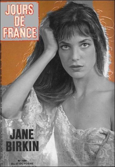 """À quelle fréquence était publié le magazine """"Jours de France"""" ?"""