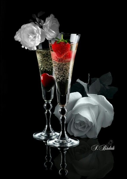 Voici des verres à champagne ! Est-il exact qu'il soit préférable de le boire dans une flûte plutôt que dans une coupe ?