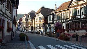 Je vous propose une balade sur la route des vins d'Alsace, à Kintzheim. Nous serons dans le département ...