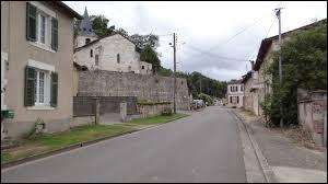 Village du Grand-Est, dans l'arrondissement de Commercy, Kœur-la-Grande se situe dans le département ...