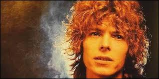 Complétez les paroles de ''Space Oddity'' de David Bowie : ''Ground control to -----------------Take your protein pills and put your helmet on''