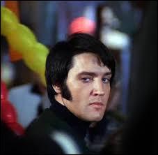 Elvis Presley a chanté ''In the Ghetto''. Dans quelle ville surnommée ''la Sérénissime'' le premier ghetto juif a-t-il vu le jour ?