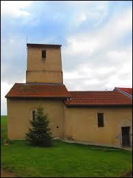 Nous terminons notre balade devant la chapelle Saint-Nicolas de Vulmont. Petit village Mosellan de 31 habitants, il se situe en région ...