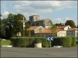 Commune de l'arrondissement de Cognac, Saint-Bonnet se situe dans l'ancienne région et le département ...