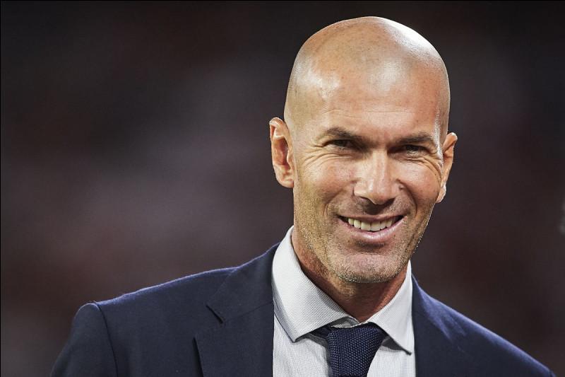 Zinédine Zidane est l'entraîneur du...
