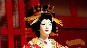 Quel est ce style traditionnel du théâtre japonais venant d'une conception religieuse et aristocratique de la vie ?