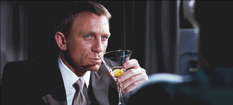Comment prend-il sa vodka-martini ?