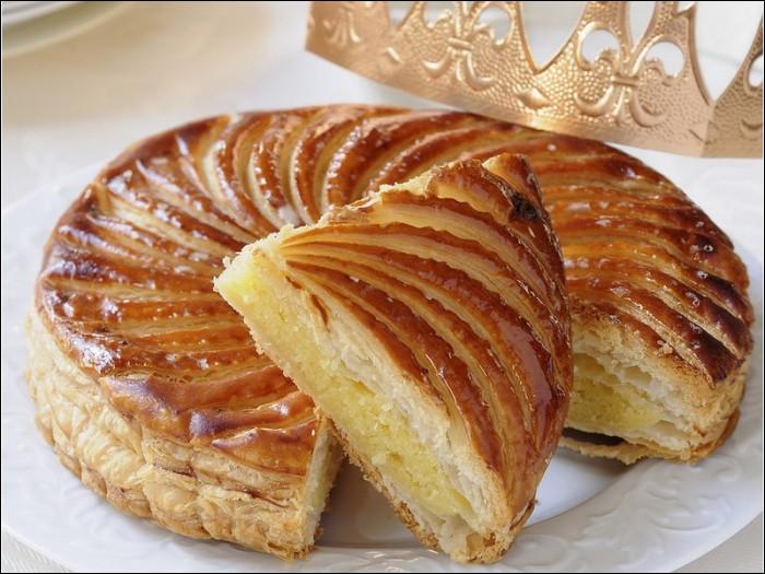 Traditionnellement, la galette des rois consommée à l'occasion de l'Épiphanie, est préparée avec une pâte...