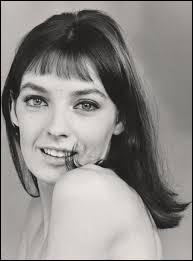 ''Mon amour, mon ami'' est une chanson de Marie Laforêt. Quelle nationalité avait choisie la chanteuse et actrice ?