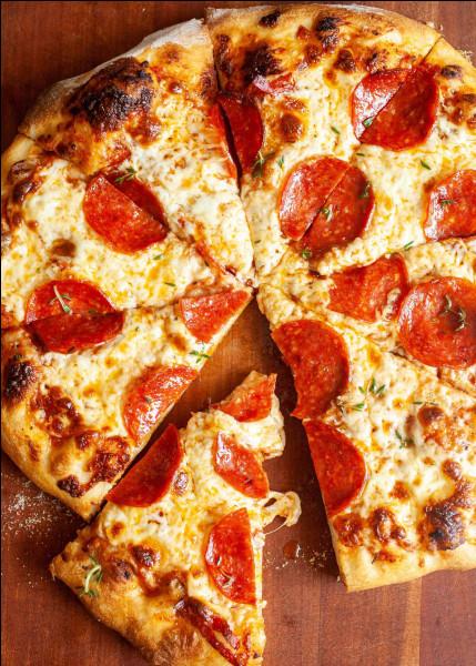 Parmi celles-ci, laquelle est une garniture populaire de pizza ?