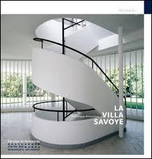 Une des particularité des villas de Le Corbusier est de concevoir des escaliers. Mais quel autre moyens met-il en œuvre dans bon nombre de ses réalisations ?