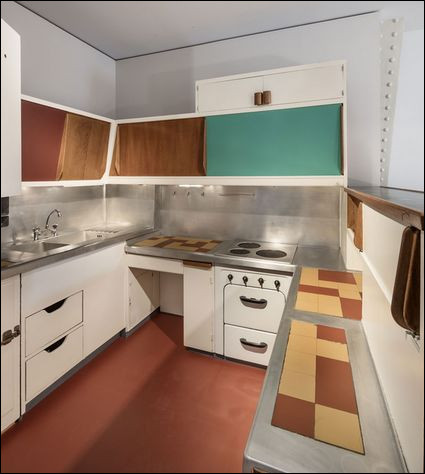Qui a réalisé les aménagements intérieurs des Cités Radieuses de Le Corbusier ?