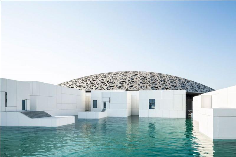 Qui a réalisé le Louvre 2 à Abou Dabi ?
