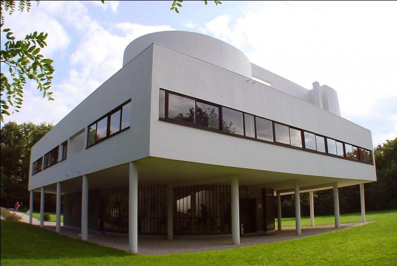 Cet architecte d'origine suisse monte à Paris dans les année 20 pour y construire des habitations nouvelles. De qui s'agit t-il ?