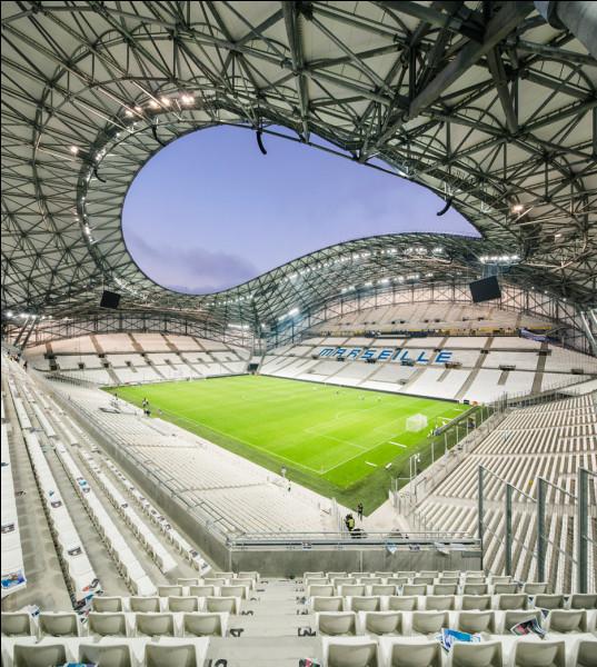 Comment s'appelle le stade de football de l'Olympique de Marseille ?