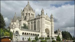 Comment se nomme cet édifice religieux ?