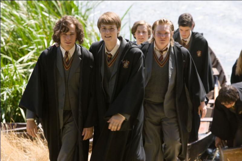 """Quand James et Sirius se sont fait poursuivre par l'agent Ficher quel était le nom, qu'ils ont donné, qui """"marchait pour les deux sexes"""" (préquelles Harry Potter) ?"""
