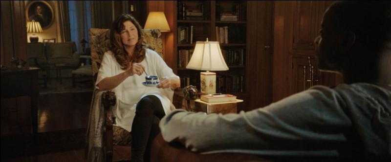 Un film de 2017 qui dure 1 heure 44 minutes.Quel est ce film qui est un thriller de Jordan Peele avec Daniel Kaluuya, Catherine Keener, Allison Williams... ?