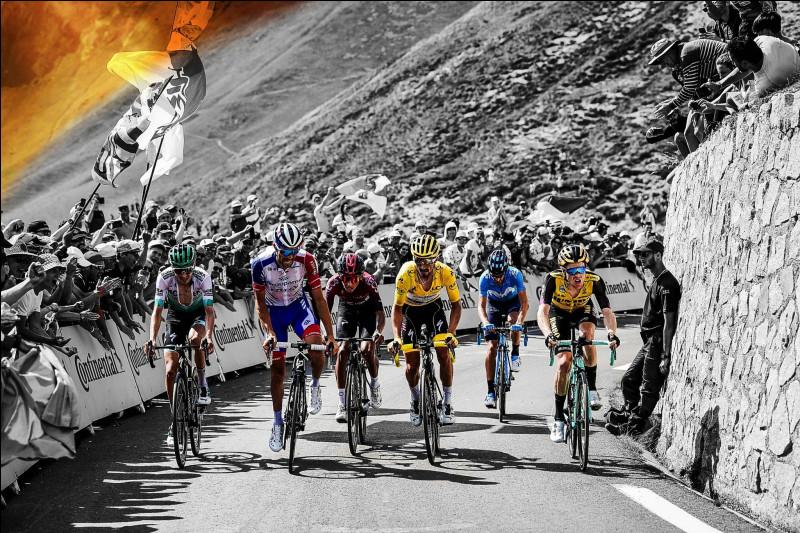 5e position - Un dénouement du Tour fabuleux. Nous avons assisté à trois derniers jours de folie sur la Grande Boucle. Un changement de maillot jaune, une fin d'étape interrompue et de nombreux chamboulements au général. Qui a tiré son épingle du jeu et a remporté le 106e Tour de France ?