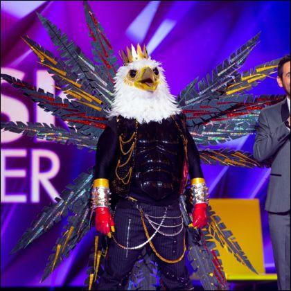 11e éliminé. Qui était sous le masque de l'aigle ?