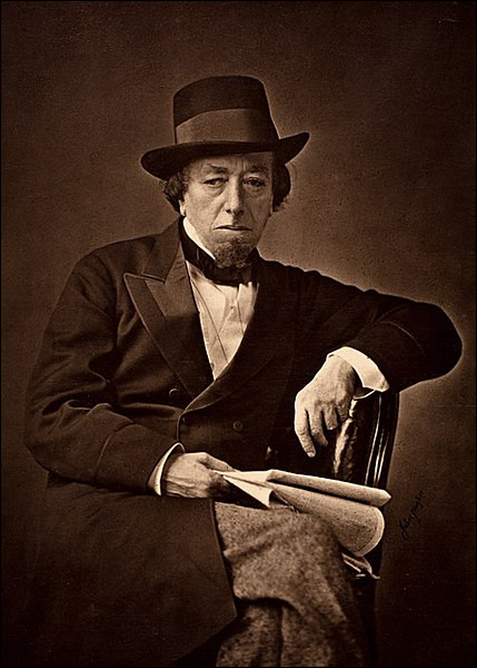 Benjamin Disraeli, Premier ministre en 1868 et de 1874 à 1880, a été un partisan de l'impérialisme britannique sous le règne de