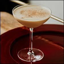 Alcool principal : CognacIngrédient (s) : Cacao, muscade, ...Origine : Etats-Unis A savoir : Peut aussi être préparé avec du gin ou du whisky.Quel est le nom de ce cocktail ?