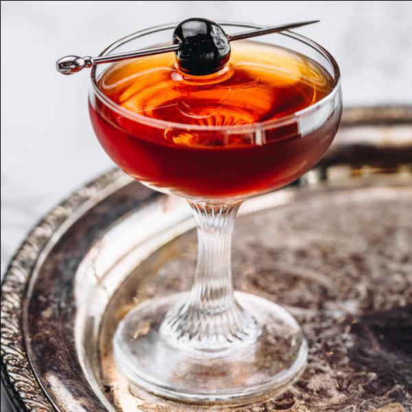 Alcool principal : Whisky Ingrédient (s) : Vermouth rosso, cerise.Origine : Etats-Unis.A savoir : Porte le nom du club où il a été créé. Quel est le nom de ce cocktail ?