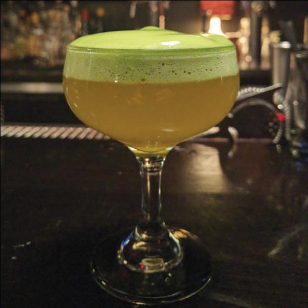 """Alcool principal : BièreIngrédient (s) : Lait. Origine : Grèce A savoir : Un dérivé de cette boisson est toujours consommée au Royaume-Uni sous le nom de """"Posset"""".Quel est le nom de ce cocktail ?"""
