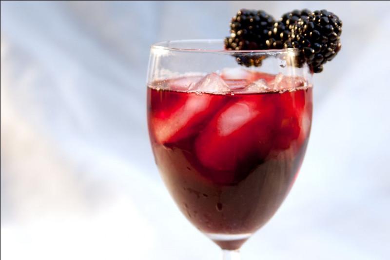 Alcool principal : Vin rougeIngrédient (s) : Crème cassis. Origine : France A savoir : Son nom puise son origine dans la couleur du cocktail. Quel est le nom de ce cocktail ?