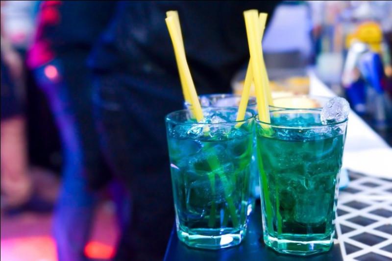 Alcool principal : Vodka Ingrédient (s) : Jus de pomme, Caramel.Origine : France A savoir : Ce cocktail a la réputation d'avoir des vertus amnésiques.Quel est le nom de ce cocktail ?