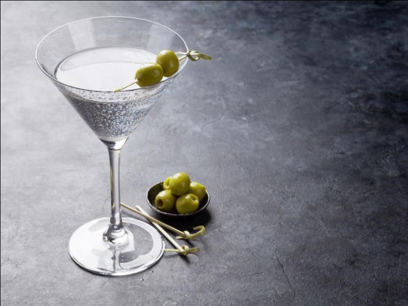 Alcool principal : Gin Ingrédient (s) : Vermouth blanc sec, olive...Origine : Etats-Unis A savoir : Cocktail préféré de James Bond Quel est le nom de ce cocktail ?
