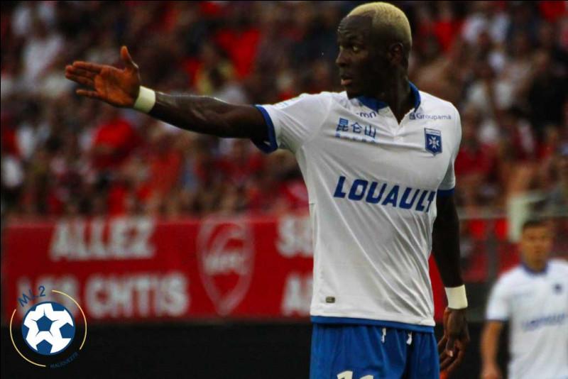 Depuis combien de matchs, Auxerre n'a-t-il plus gagné ?