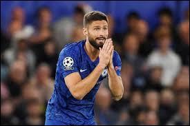 Combien de frappes Olivier Giroud a-t-il cadrées lors de la dernière Coupe du Monde remportée par les Bleus ?