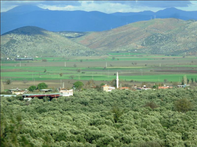 Comment se nomment les deux principales chaînes de montagnes de Turquie ?