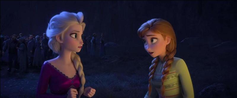 Qui s'occupe d'Arendelle pendant qu'Elsa, Anna, Olaf, Kristoff et Sven vont à la recherche de cette voix ?
