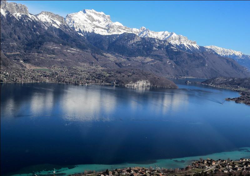 Sur les rives de quel grand lac se situent les villes du Veyrier-du-Lac et Talloires ?