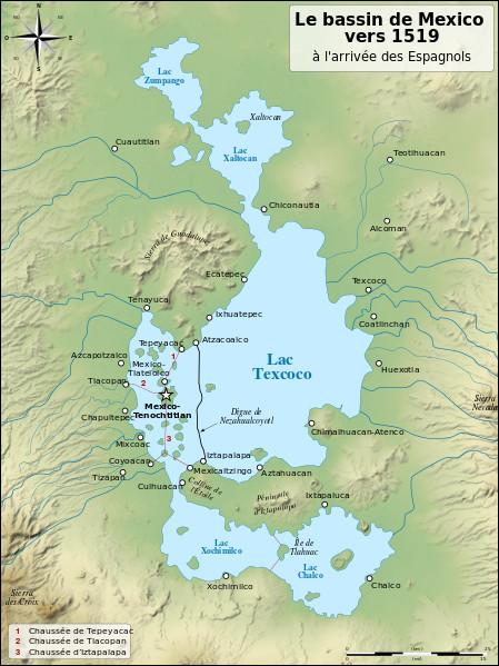 En 1521 et 1533, les Espagnols mettent la main sur deux empires précolombiens. Il s'agit de