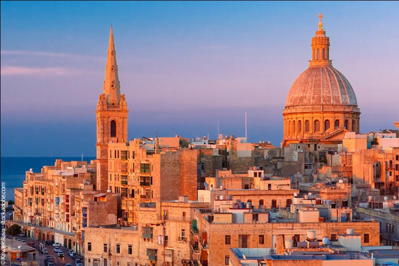 Capitale européenne de la culture en 2018 - le Palais Magistral de l'ordre de Saint-Jean de Jérusalem - influences phénicienne, grecque, romaine, byzantine et arabe - système de péage à l'instar de Londres