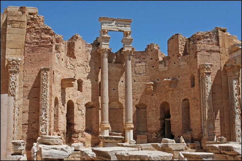 Les ruines romaines de Leptis Magna - la ville subit un bombardement américain en 1986 - climat semi-aride - colonisation italienne