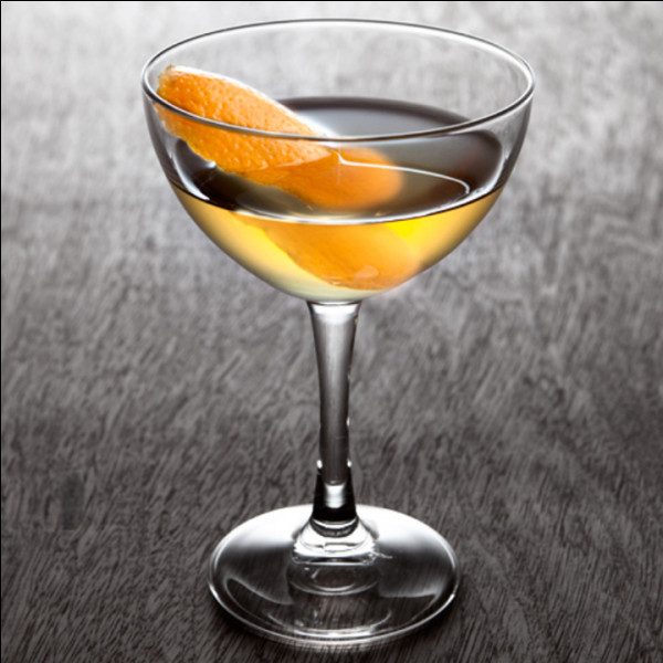 Parmi les propositions suivantes, laquelle désigne un cocktail contenant du rhum blanc, du cognac, du triple sec et du citron ?