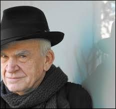 Milan Kundera, un écrivain tchèque naturalisé français, écrit en 1981 une pièce de théâtre en hommage à un célèbre philosophe français. Quel est le titre de cet ouvrage ?