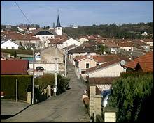Voici une vue de Norroy-lès-Pont-à-Mousson. Commune du Grand-Est, elle se situe dans le département ...