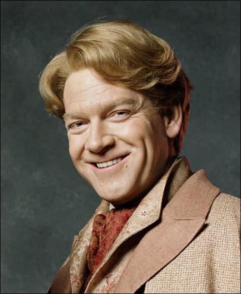 """Combien de fois Gilderoy Lockhart a-t-il remporté le prix du sourire le plus charmeur décerné par """"Sorcière Hebdo"""" ?"""