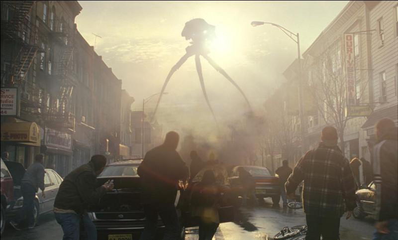 """""""La Guerre des mondes"""" (The War of the Worlds), roman de science-fiction écrit par H. G. Wells en 1898, a donné lieu à plusieurs adaptations au cinéma : qui est le réalisateur du film de 2005, avec Tom Cruise dans le rôle principal ?"""