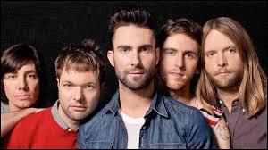 Comment s'appelle le chanteur de Maroon 5 ?