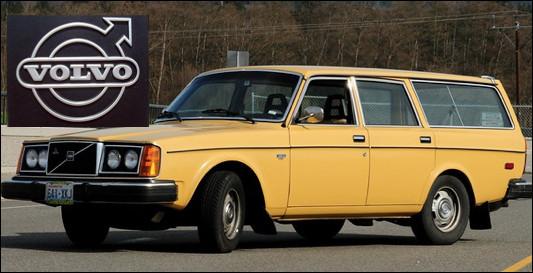 Quelle est cette automobile lancée en 1974 ?
