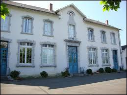 Commune de Nouvelle-Aquitaine, dans l'arrondissement d'Oloron-Sainte-Marie, Laccary-Arhan-Charritte-de-Haut se situe das le département ...