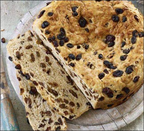"""D'où vient le """"selkirk bannock"""", un petit pain spongieux au beurre et beaucoup de raisins, très apprécié par la reine Victoria ?"""